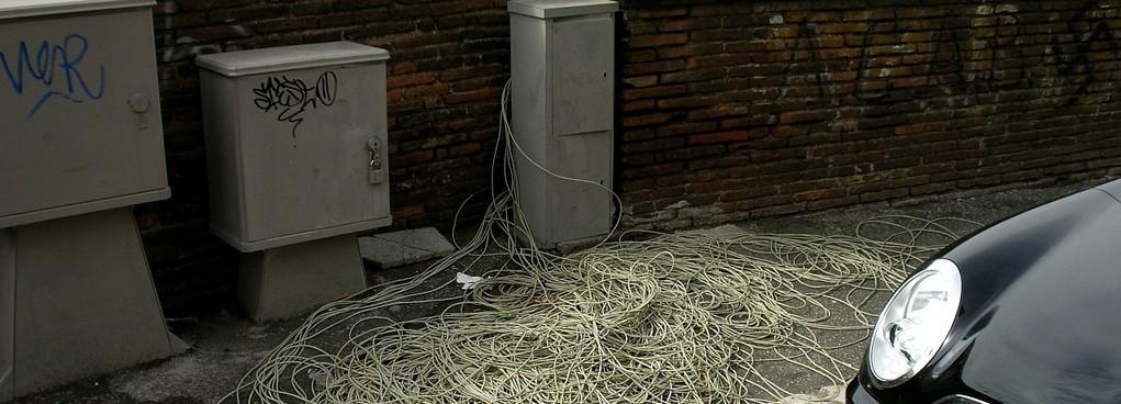 cable-salad-telephone-cable-telecom-italia-49f183-1024